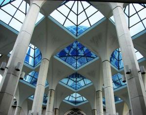 Мечеть Султана Салахуддина Абдуль Азиза или Голубая мечеть (Шах Алам, Малазия)