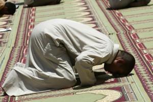 Суджуд - земной поклон | Здоровье верующих в Исламе