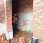Организована уборка строительной площадки и завезенного на стройку песка | Строительство мечети на ул. Р. Люксембург, 33