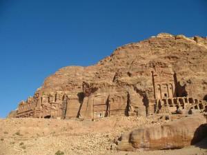 Урновая усыпальница и др.  | Загадки древности: спрятанный в скалах город Петра (Иордания)