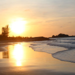 пляж, в 15 минутах от общежития