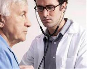 Старый человек и доктор